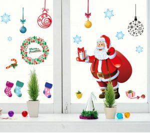 ウォールステッカーでクリスマスのデコレーション