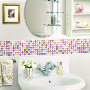 洗面所のセルフリフォームに『タイルシール』