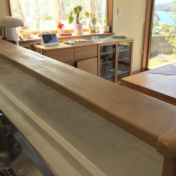 木製キッチンカウンターをタイルシールでアレンジ前