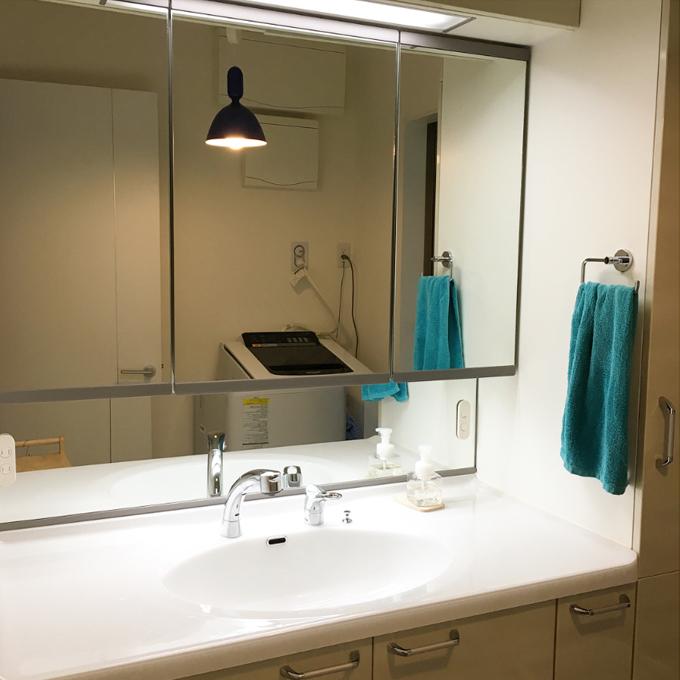 洗面化粧台のチャイルドミラー