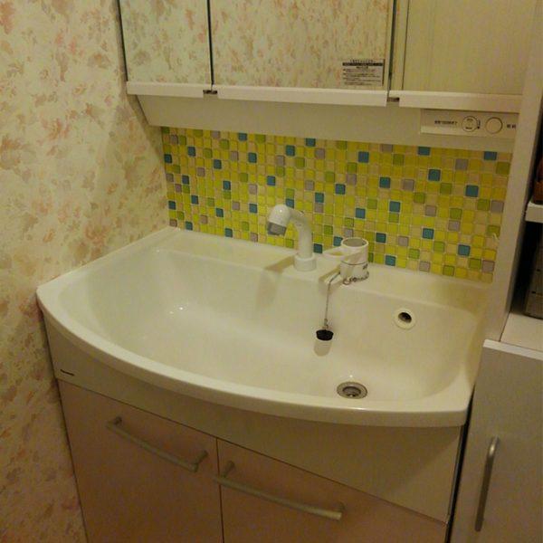 洗面台 モザイクタイルシール 使用例