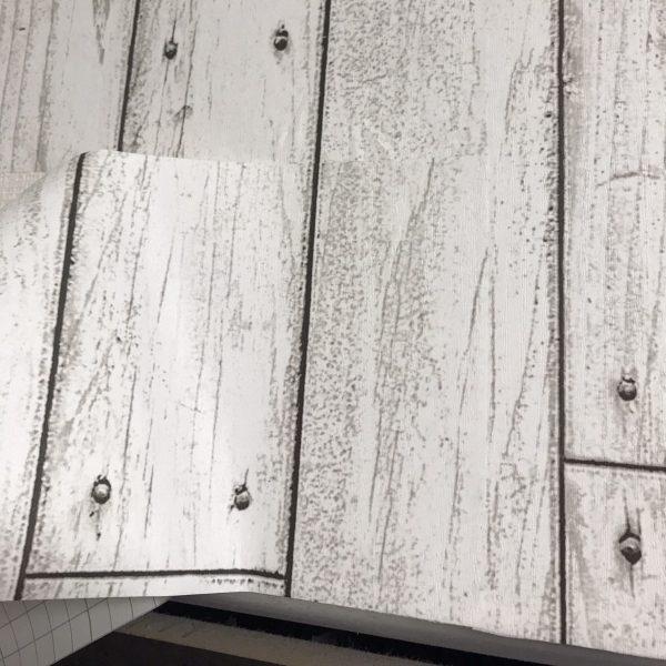 貼ってはがせる壁紙シートPETAPA狭いスペースの繋ぎ目
