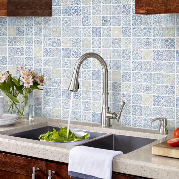 ベルメゾンカタログ 暮らしの景色 2021春 モザイクタイルシール キッチン